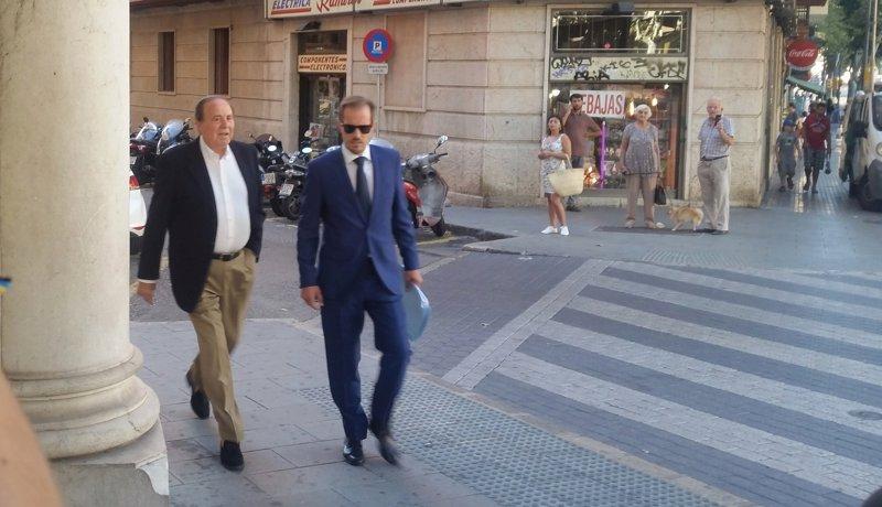 El juez prohíbe a Rodríguez acercarse a menos de 300 metros del departamento de la Policía Local de Palma