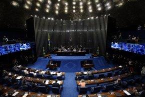 Foto: Tensión en el  primer día del 'impeachment' contra Dilma Rousseff (REUTERS)