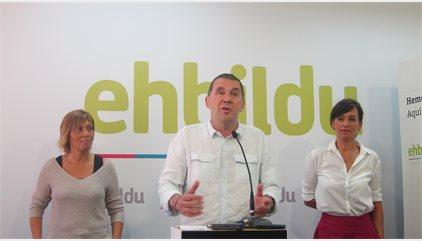 """Otegi propone a PNV y Podemos diálogo para lograr un """"acuerdo de país"""" sobre cuestiones sociales y soberanía"""