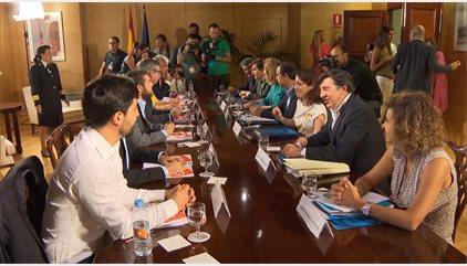 PP y C's pactan recuperar dinero no recaudado en la amnistía fiscal, el complemento salarial y 3 tipos de contrato