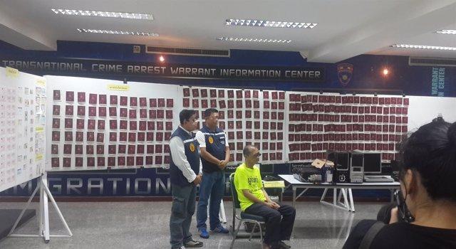 La polic a colabora en la desarticulaci n de una red de for Pasaporte ministerio interior