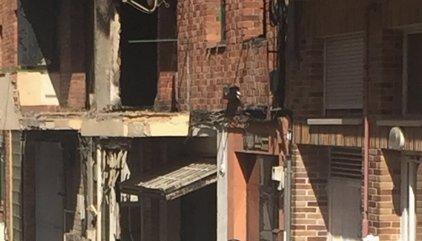 Unas 60 personas han tenido que dejar sus casas por la explosión y el incendio en Segovia