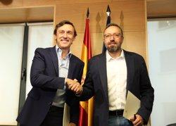 Hernando (PP) i Girauta (C's) signen el pacte amb