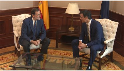 Rajoy seguirá buscando la investidura aun si fracasa el viernes y espera que PSOE cambie
