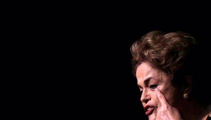 """Rousseff defiende su inocencia y advierte que está en juego """"la democracia"""""""