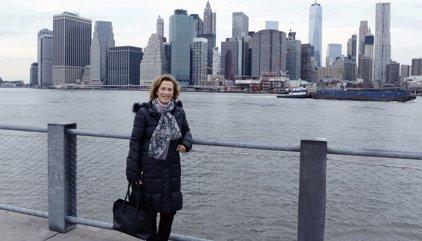 'Digue'm qui sóc', la primera novel·la de Julia Navarro portada a la televisió