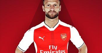 Mustafi ya es jugador del Arsenal