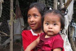 Dones i nenes dediquen 200 milions d'hores al dia per recollir aigua, segons Unicef (EUROPA PRESS)