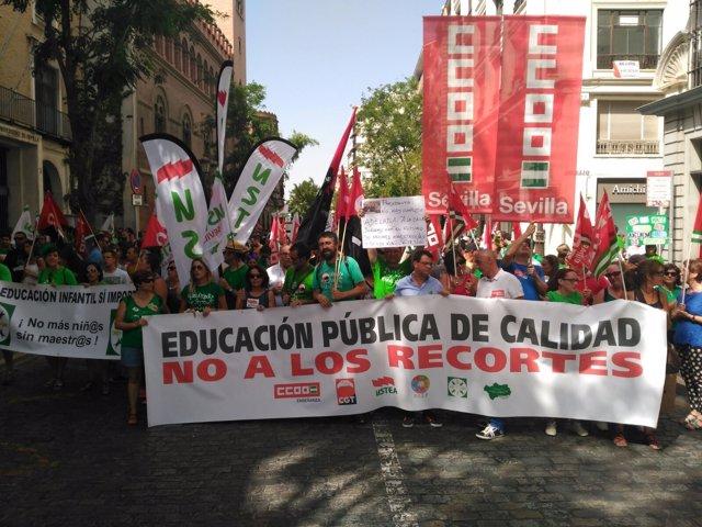 Manifestación contra recortes en educación