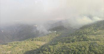Un incendio en Garganta la Olla y Aldeanueva de la Vera alcanza el nivel...