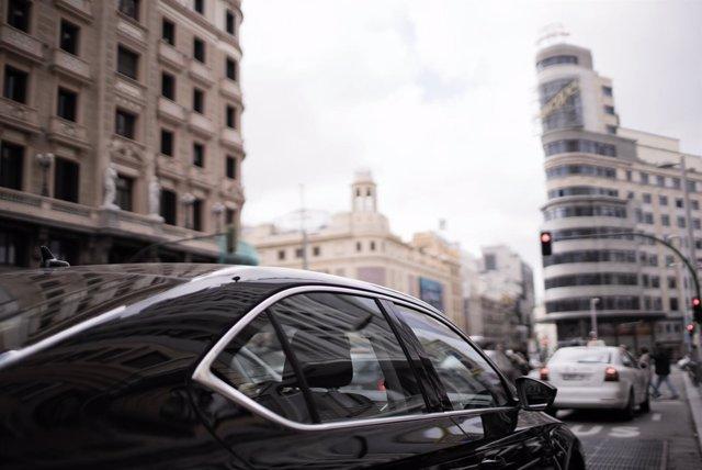 Resultado de imagen de Uber lanzará antes de finales de año un servicio con vehículos 100% eléctricos en Madrid