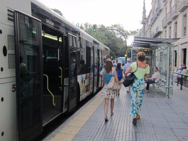 La emt ampliar el horario del autob s de campanillas for Horario oficina emt malaga