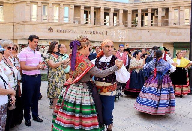 Servicio escoltas trajes en Albacete