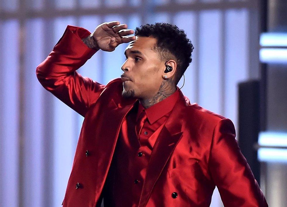 Chris Brown limita las visitas a su casa de Calabasas View Image