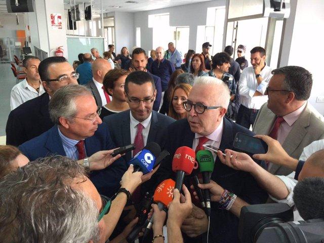 La junta invierte euros en la nueva oficina del sae for Oficina del sae