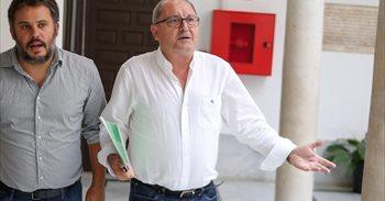 """PSOE-A: """"No es momento de celebrar congreso, sino de asumir..."""