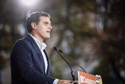 Rivera diu al PSOE que no és moment de