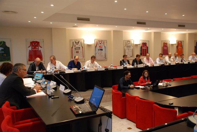La acb celebra este martes una asamblea general con for Unicaja barcelona oficinas
