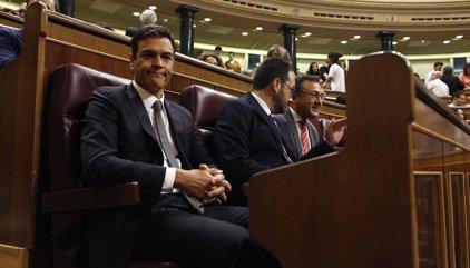 Los críticos del PSOE presentan 17 dimisiones de miembros de la Ejecutiva Federal para forzar la caída de Sánchez