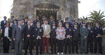 La alcaldesa destaca el papel de la Policía Local para hacer de Camargo...