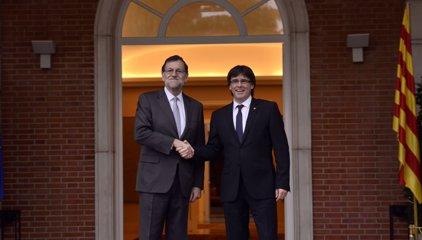 Puigdemont i Rajoy coincidiran aquest divendres en un acte a Porto però no preveuen reunir-se