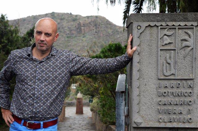 Perfil de juli caujap director del jard n bot nico for Jardin botanico viera y clavijo