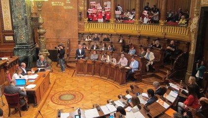 El saló de plens de Barcelona canvia el nom de Reina Regent a Carles Pi i Sunyer
