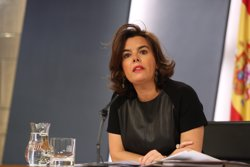 Santamaría avisa Puigdemont que no pot negociar el referèndum ni amb l'Estat ni amb les Corts perquè és il·legal (EUROPA PRESS)