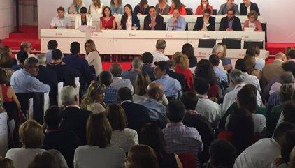 Piden un receso de 40 minutos antes de que dé comienzo el Comité del PSOE por diferencias en el censo y el orden del día