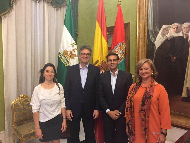El alcalde de Granada, Francisco Cuenca, con el alcalde de Friburgo