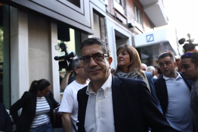 Patxi López en su llegada al Comité Federal del PSOE en Madrid
