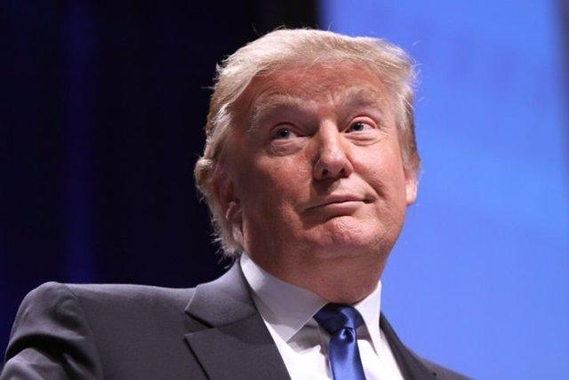 Investigan la fundación Donald J. Trump
