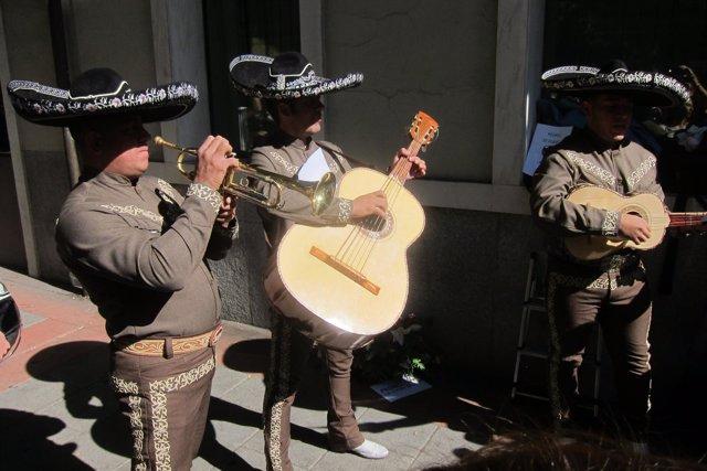 Mariachis en Ferraz