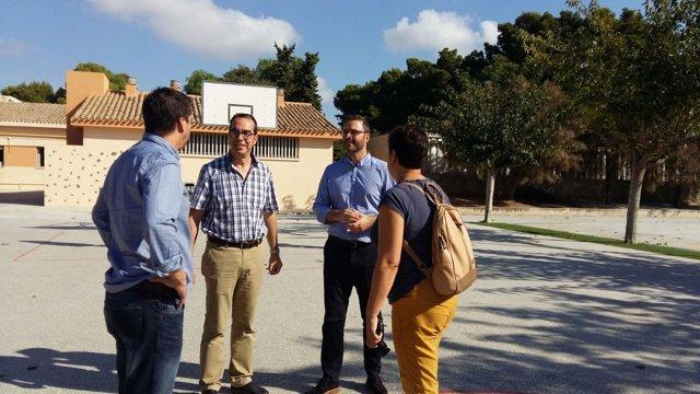 El alcalde de Palma, José Hila, en el colegio público Camilo José Cela