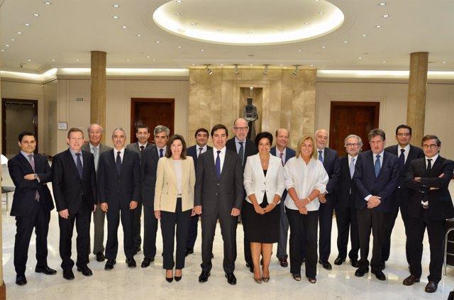 Carlos Torres Vila (BBVA) con los miembros del Consejo Asesor Regional