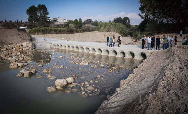 Puente reconstruido sobre el río Micena