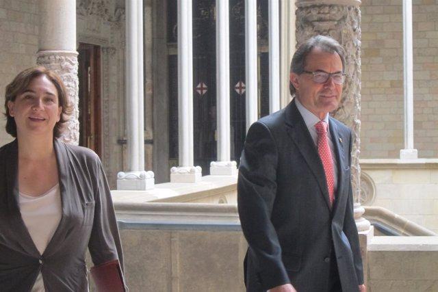 Ada Colau y Artur Mas en la Generalitat