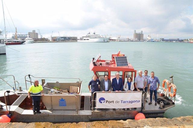 Pelican 1003 para limpiar el Puerto de Tarragona