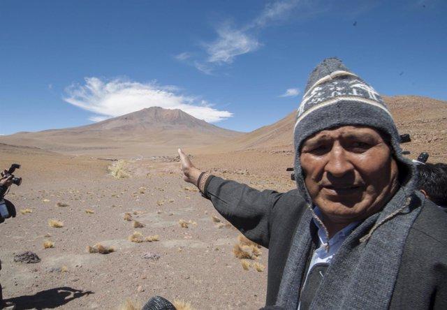 Evo Morales junto a la ruta del Silala
