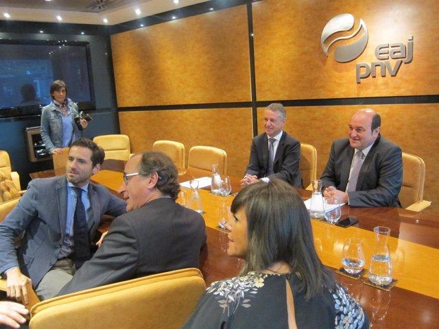 Reunión entre PNV y PP