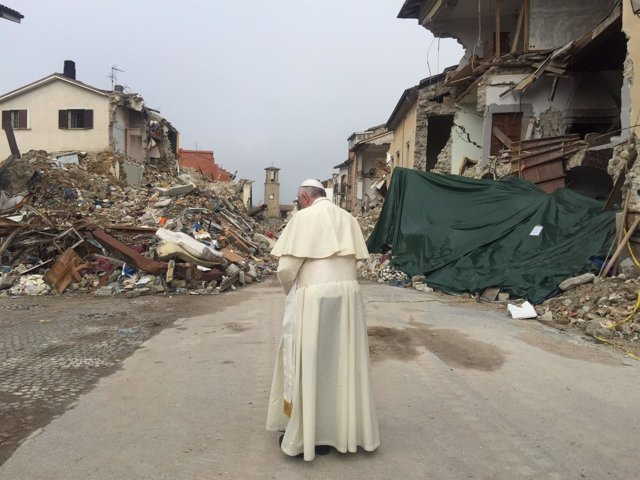 El Papa visita Amatrice