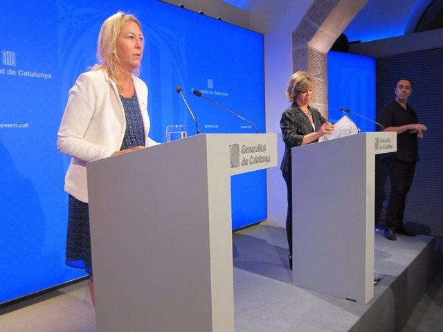 La portavoz del Govern, N.Munté, y la consellera M.Borràs