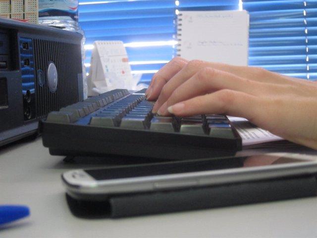 Tecnología, móvil, teclado, ordenador