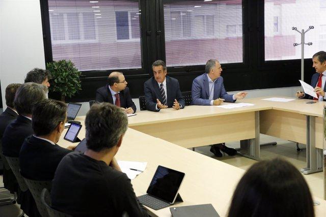 Sede CEOE-CEPYME Cantabria El consejero de Innovación, Industria, Turismo y Come