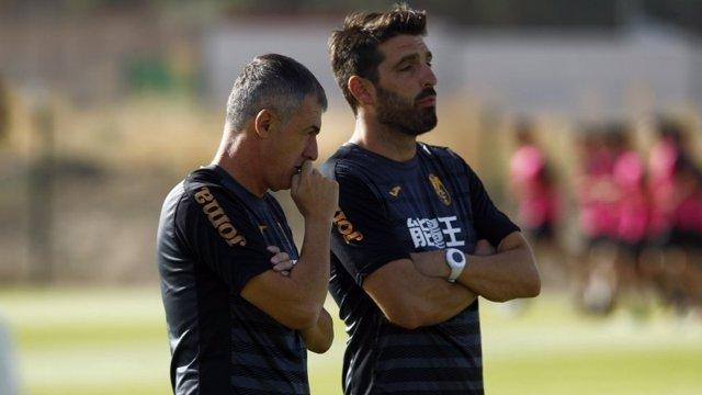 Lucas Alcaraz, entrenando con el Granada