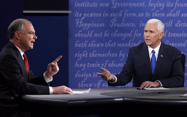 Mike Pence y Tim Kaine en el debate entre candidatos a la vicepresidencia