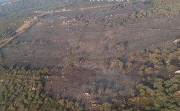 Imagen aérea del incendio declarado en la sierra del Retín