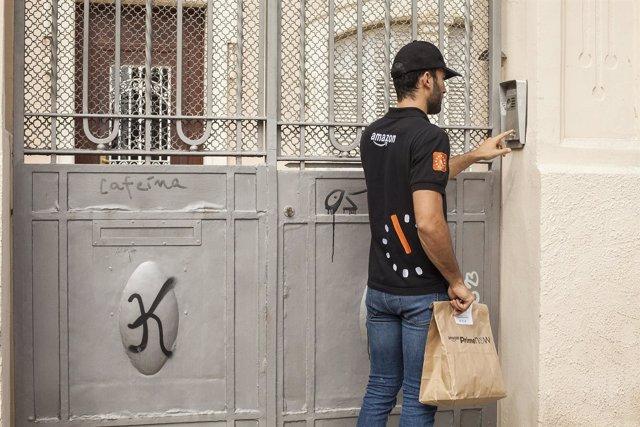 Amazon lanza en Barcelona el servicio de entregas en una hora 'Prime Now'