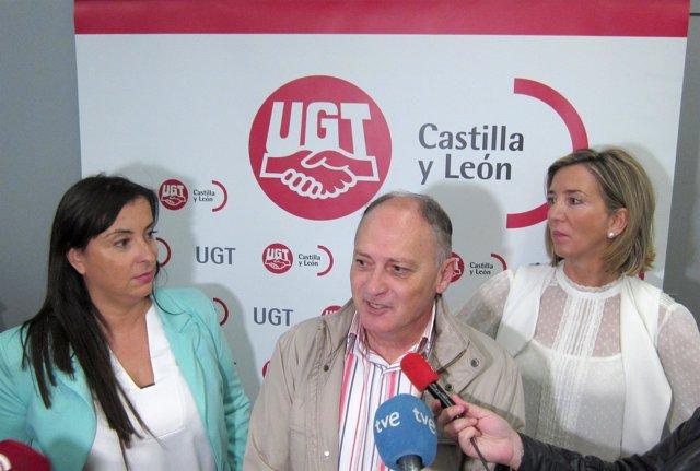 Cristina Antoñanzas (I) Faustino Temprano y Alicia García (D)