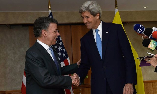 Juan Manuel Santos y John Kerry